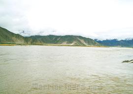 Yarlong Tsangpo River, Tibet